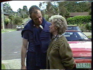 Jim Robinson, Helen Daniels in Neighbours Episode 0387