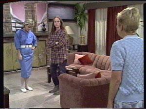 Daphne Clarke, Kelly Morgan, Eileen Clarke in Neighbours Episode 0387
