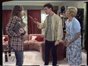Kelly Morgan, Paul Robinson, Eileen Clarke in Neighbours Episode 0387
