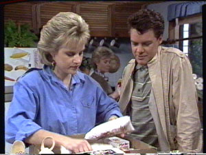 Daphne Clarke, Paul Robinson in Neighbours Episode 0387