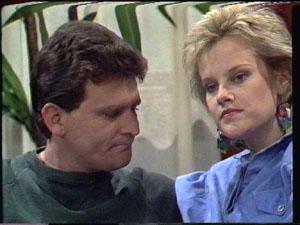 Des Clarke, Daphne Clarke in Neighbours Episode 0388