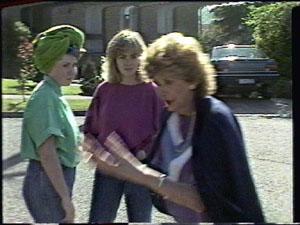 Nikki Dennison, Jane Harris, Madge Mitchell in Neighbours Episode 0388