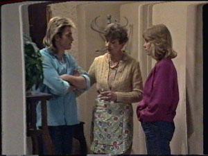 Shane Ramsay, Jane Harris, Nell Mangel in Neighbours Episode 0388