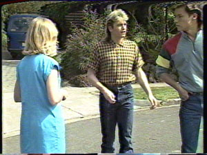 Jane Harris, Mike Young, Shane Ramsay in Neighbours Episode 0389