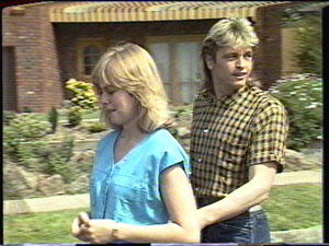 Jane Harris, Shane Ramsay in Neighbours Episode 0389