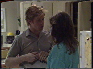 Clive Gibbons, Susan Cole in Neighbours Episode 0389