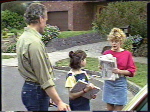 Jim Robinson, Lucy Robinson, Charlene Mitchell in Neighbours Episode 0389