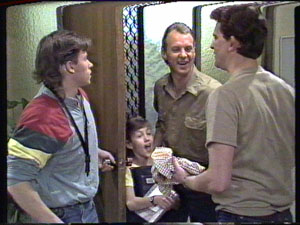 Mike Young, Lucy Robinson, Jim Robinson, Des Clarke in Neighbours Episode 0389