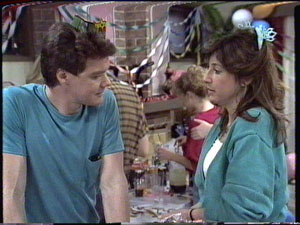 Susan Cole, Paul Robinson in Neighbours Episode 0390