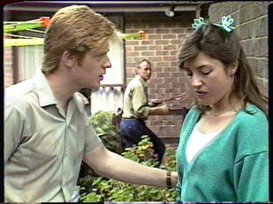Clive Gibbons, Jim Robinson, Susan Cole in Neighbours Episode 0390