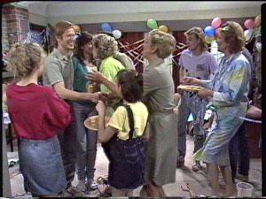Charlene Mitchell, Clive Gibbons, Susan Cole, Daphne Clarke, Lucy Robinson, Eileen Clarke, Scott Robinson, Madge Bishop in Neighbours Episode 0390