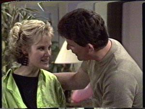 Daphne Clarke, Des Clarke in Neighbours Episode 0390