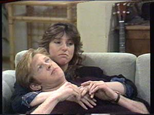 Clive Gibbons, Susan Cole in Neighbours Episode 0391