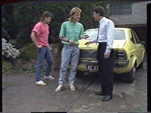 Mike Young, Scott Robinson, Paul Robinson in Neighbours Episode 0391