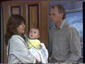 Susan Cole, Sam Cole, Jim Robinson in Neighbours Episode 0392