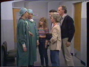 Charlene Mitchell, Helen Daniels, Jim Robinson, Paul Robinson, Clive Gibbons in Neighbours Episode 0392