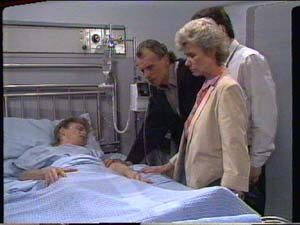 Scott Robinson, Jim Robinson, Helen Daniels, Paul Robinson in Neighbours Episode 0392