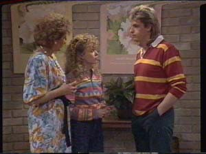 Madge Mitchell, Charlene Mitchell, Shane Ramsay in Neighbours Episode 0393