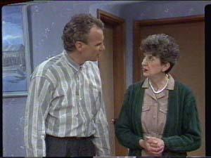 Jim Robinson, Nell Mangel in Neighbours Episode 0393