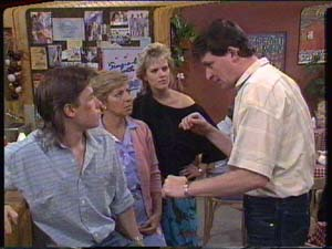 Mike Young, Eileen Clarke, Des Clarke, Des Clarke in Neighbours Episode 0394