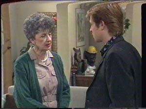 Nell Mangel, Clive Gibbons in Neighbours Episode 0394