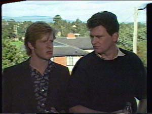 Clive Gibbons, Des Clarke in Neighbours Episode 0395
