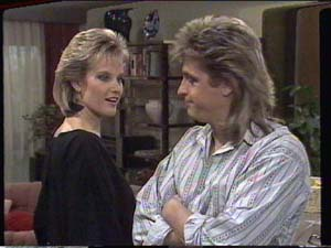 Daphne Clarke, Shane Ramsay in Neighbours Episode 0395