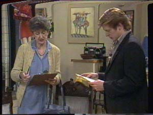 Nell Mangel, Clive Gibbons in Neighbours Episode 0395