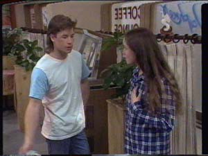 Mike Young, Kelly Morgan in Neighbours Episode 0395