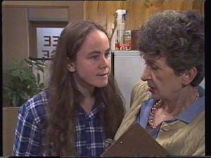 Kelly Morgan, Nell Mangel in Neighbours Episode 0396