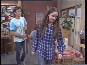 Mike Young, Kelly Morgan in Neighbours Episode 0396
