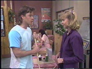 Mike Young, Jane Harris in Neighbours Episode 0396