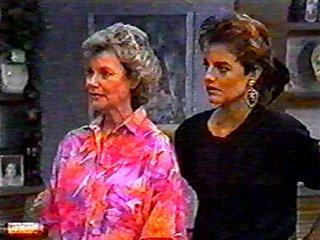 Helen Daniels, Gail Robinson in Neighbours Episode 0485