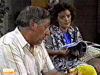 Rob Lewis, Gail Robinson in Neighbours Episode 0492