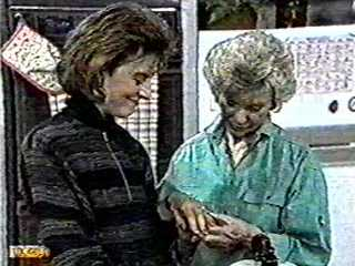 Gail Robinson, Helen Daniels in Neighbours Episode 0500