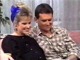 Daphne Clarke, Des Clarke in Neighbours Episode 0515