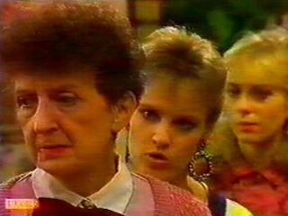 Nell Mangel, Daphne Clarke, Jane Harris in Neighbours Episode 0516