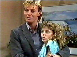 Scott Robinson, Charlene Mitchell in Neighbours Episode 0522