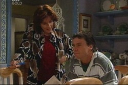 Lyn Scully, Joe Scully in Neighbours Episode 3815