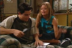 Paul McClain, Felicity Scully in Neighbours Episode 3815