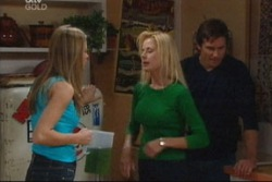 Felicity Scully, Dee Bliss, Darcy Tyler in Neighbours Episode 3816