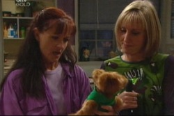 Maggie Hancock, Susan Kennedy in Neighbours Episode 3817