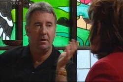 Gino Esposito, Lyn Scully in Neighbours Episode 3819
