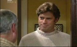 Lou Carpenter, Evan Hancock in Neighbours Episode 3834