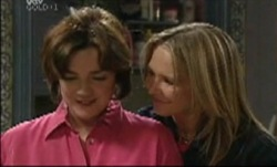 Lyn Scully, Steph Scully in Neighbours Episode 3834