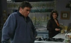 Joe Scully, Lyn Scully in Neighbours Episode 3838