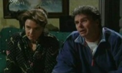 Joe Scully, Lyn Scully in Neighbours Episode 3840