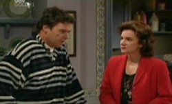 Joe Scully, Lyn Scully in Neighbours Episode 3841