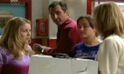 Michelle Scully, Karl Kennedy, Bianca Nugent, Maggie Hancock in Neighbours Episode 3841