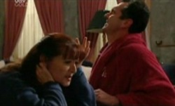 Susan Kennedy, Karl Kennedy in Neighbours Episode 3841